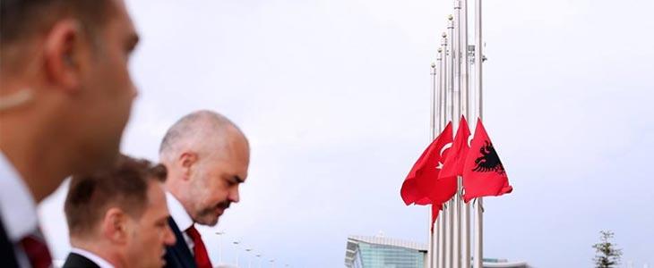 Edi Rama'dan İstanbul Yaşanan Terör Olayına Sert Tepki